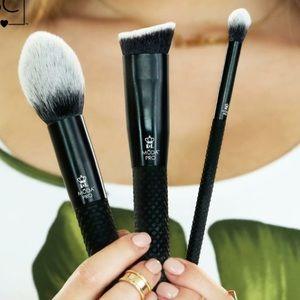 Moda Professional Makeup Brushes BMX